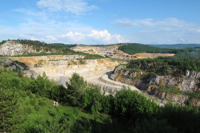 Nepovedená naučná stezka Koněpruské jeskyně – Borek