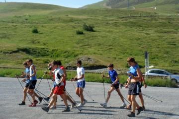 Podzimní trénink běžce na lyžích – trénink s hůlkami
