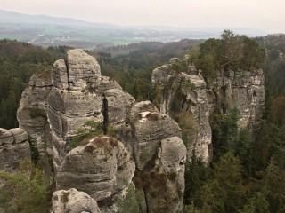 Běh přes Valdštejn a Hrubou skálu