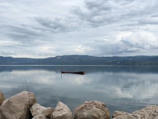Klid u jezera Varano