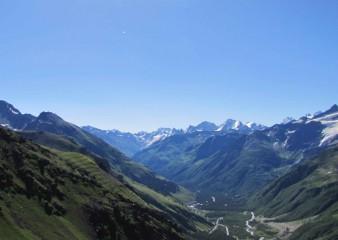 VÝSTUP NA ELBRUS (5 642 m) S TRAVERZEM S-J