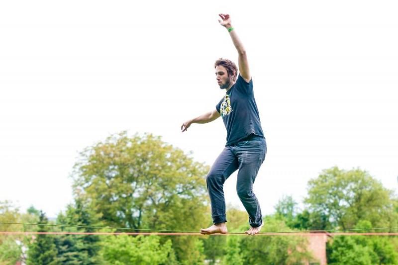 Garden party Sobotka: Slackline festival na Sobotecké horolezecké stěně