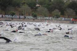1/2 Ironmam - Trisur Sevilla, start z vody