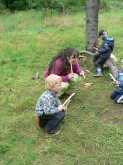Hraní hezky na trávě