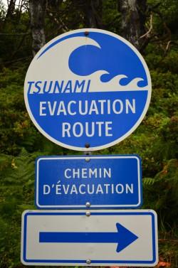 Dopravní značka na Vancouver Islandu u pobřeží Pacifiku...<br>Foto: MChrrr.