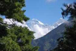 První výhled na Mont Everest asi 1 den cesty z letiště<br>v Lukle