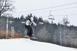 Na jibbing je snowscoot jako dělaný